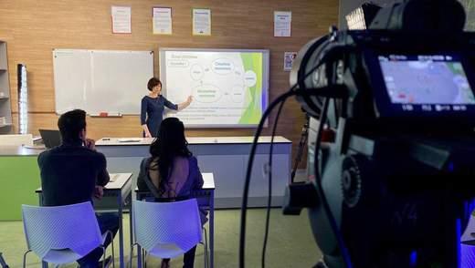 В новом учебном году продолжат показывать уроки по телевизору, – Шкарлет