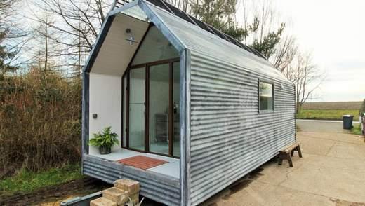 Приклад облаштування стильного будиночка, який можна встановити будь-де: фото