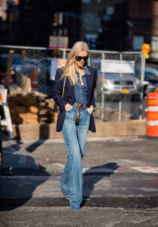 Стильні комбінації з джинсовою сорочкою