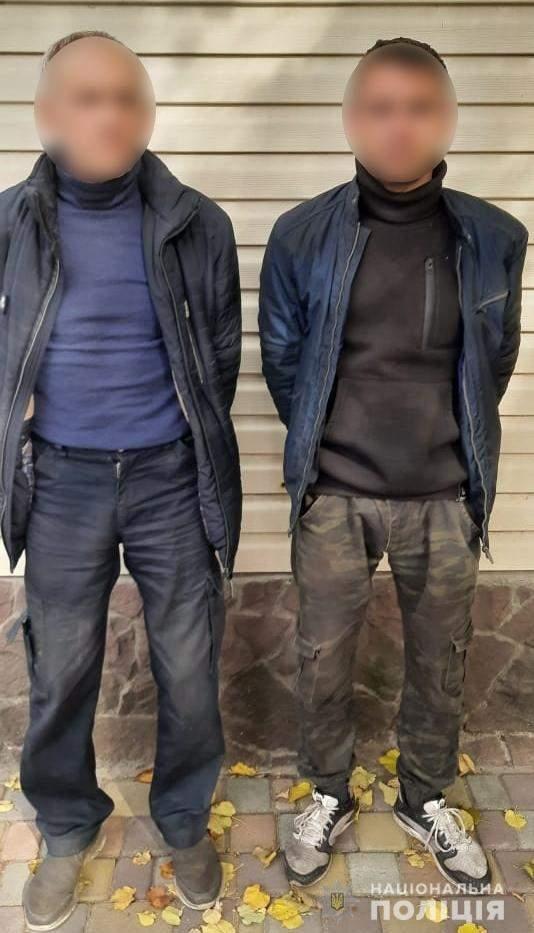 На Фастівщині батько та син кинулися на поліцейських з вилами, їх затримали