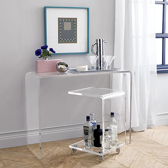 Цей стіл незамінний в маленькій квартирі