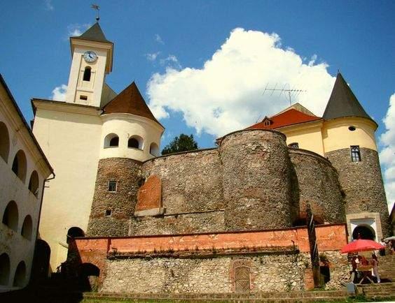 Замок Паланок на Закарпатті