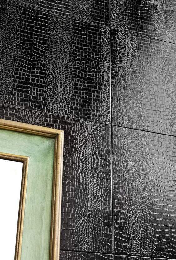 Шкіряна оббивка стін