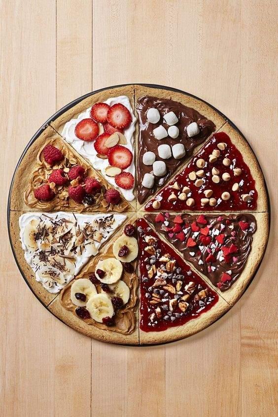 Або поекспериментуйте – зробіть фруктову піцу / Фото Pinterest