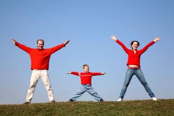 Зарядка з тривимірним рухом допомагає тілу знайти баланс
