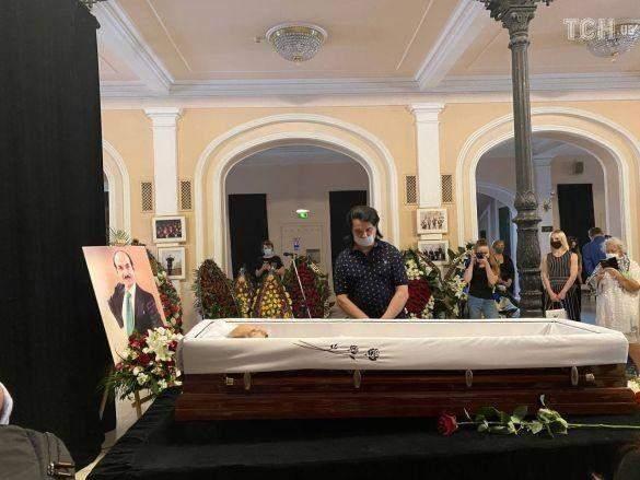 Павло Зібров на похороні Григорія Чапкіса