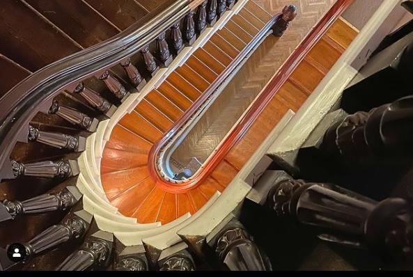 Винтажные лестницы в доме