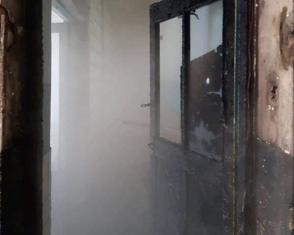 На Львівщині згорів продуктовий магазин: фото згарища