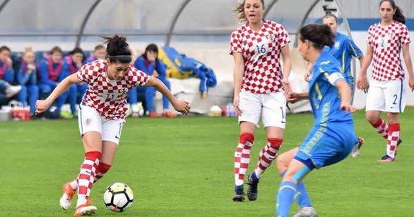 Жіноча збірна з футболу розгромила хорваток на виїзді у відборі на  Чемпіонат світу - Телеканал новин 24 (1.04 13) ad6c93e8c2d45
