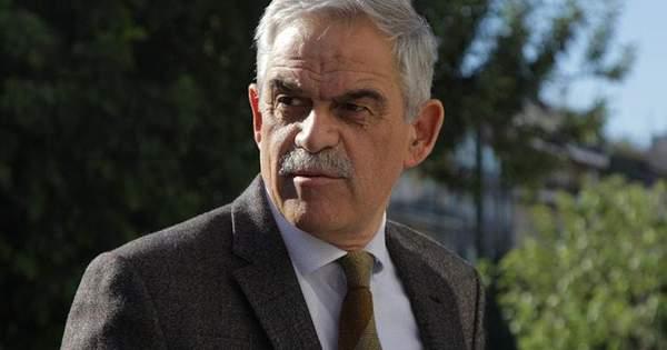 Міністр Греції подав у відставку через смертельні пожежі в країні -  Телеканал новин 24 (10.99 23) c2cdc585903c6