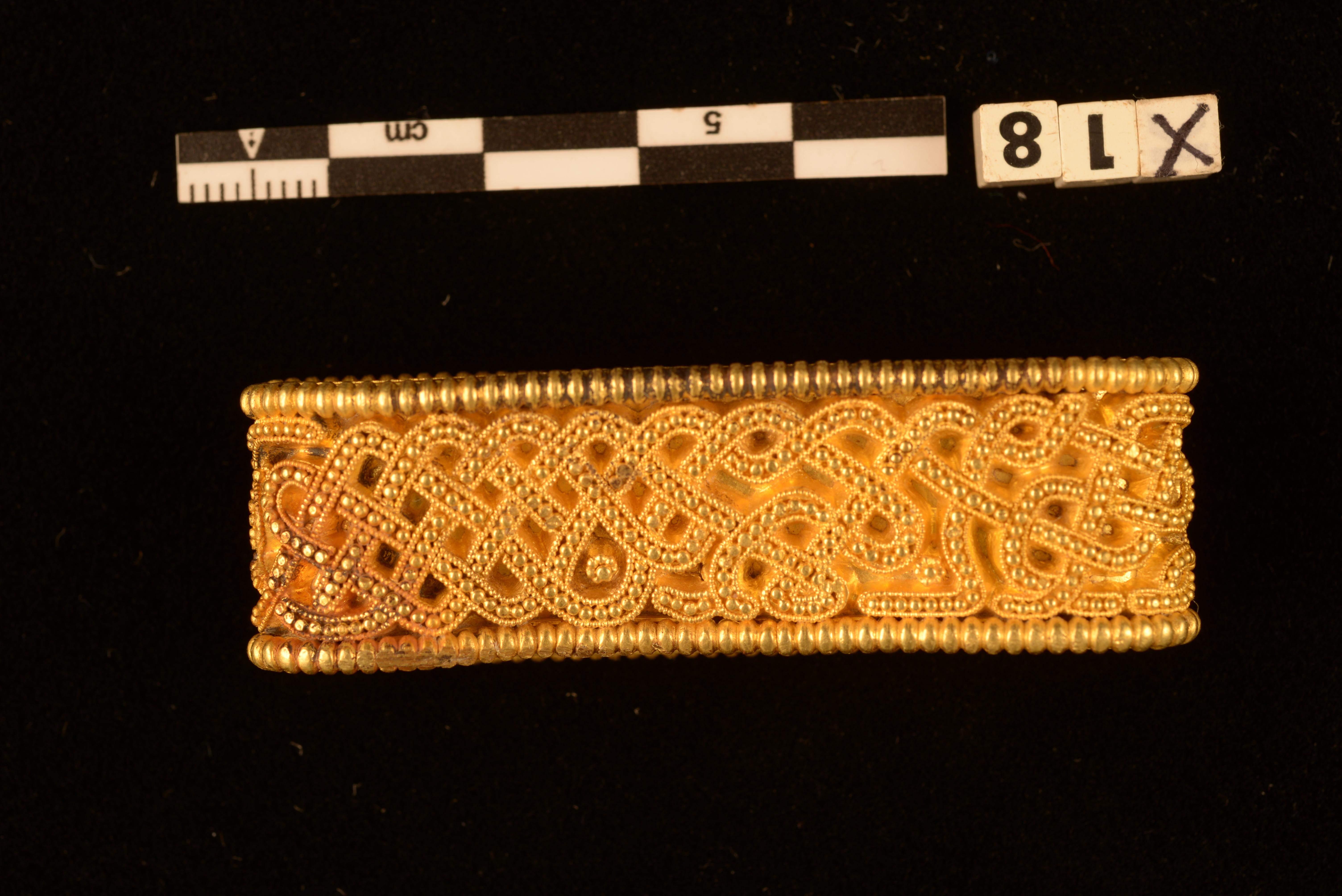 Золотий данський браслет
