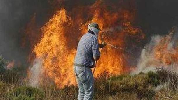 Через спеку та недбалість у Греції також є загроза лісових пожеж