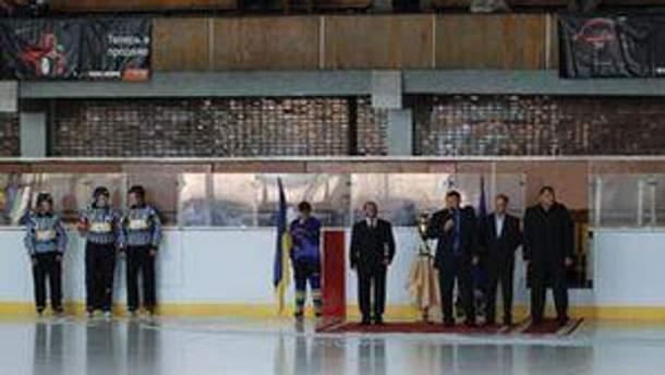 Український хокей розпочинає із Кубка Конфедерації