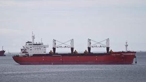 Всі члени українського екіпажу перебувають на борту судна і забезпечені всіма необхідними продуктами