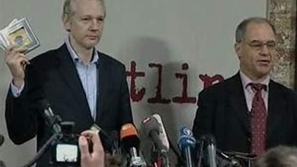 Ассандж переконаний, що захищає свободу преси у світі