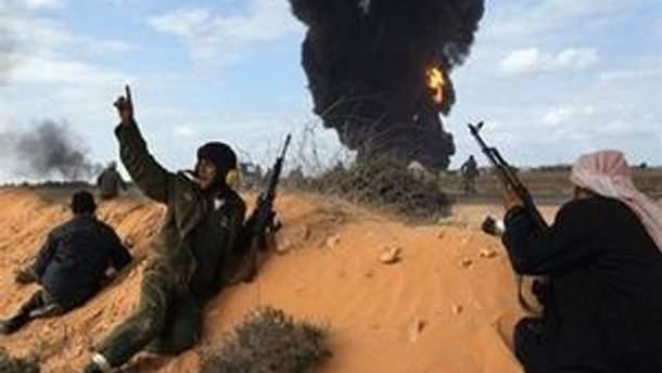Между повстанцами и проправительственными войсками продолжаются бои