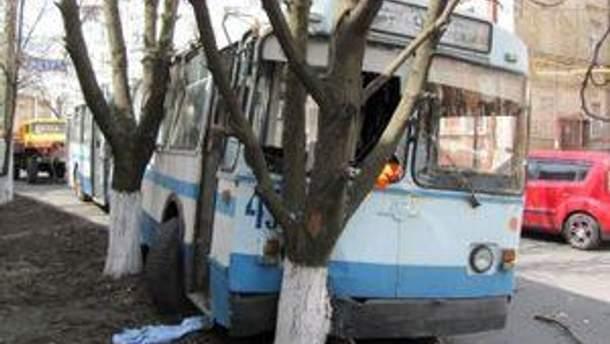 Попередня причина аварії - технічна несправність тролейбуса