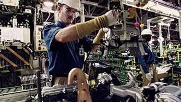 Toyota до мая приостанавливает работу в Европе