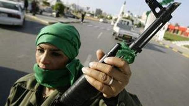 В Ливии вооружают население