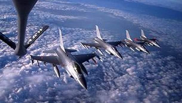 Літаки НАТО нанесли нові удари у Тріполі