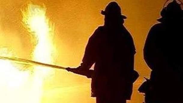 Пожар охватил 200 квадратных метров