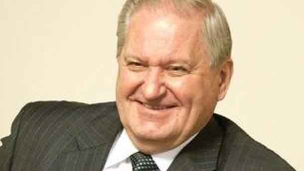 Виктор Тихонов
