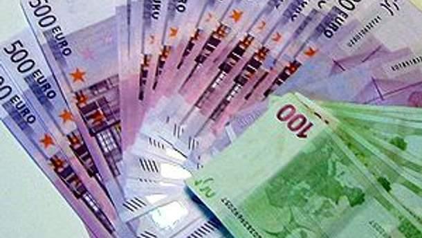 Кілька тисяч євро жінка взяла на оплату послуг кіллера