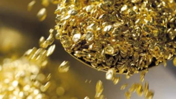 Золото продовжує підвищуватися