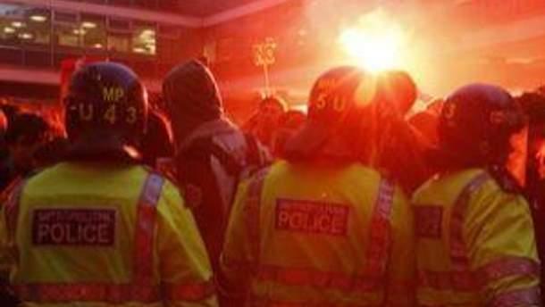 Полиция не справляется с беспорядками
