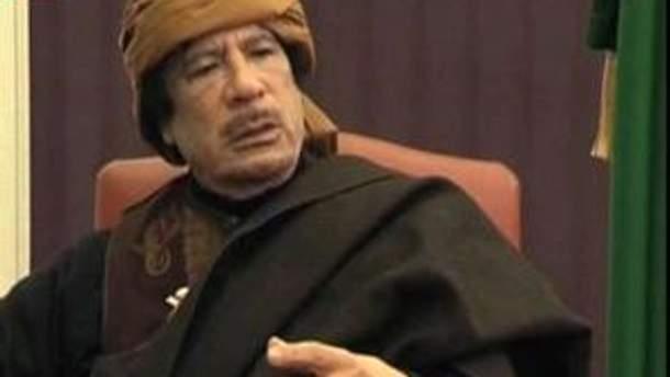 Каддафі закликає не здаватись