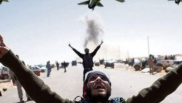 НАТО завершує операцію в Лівії