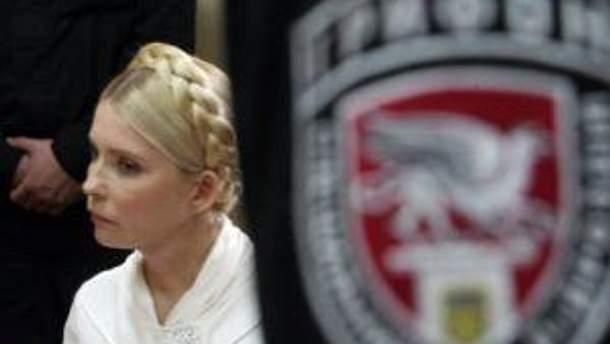 Тимошенко в суде слушает, что скажут