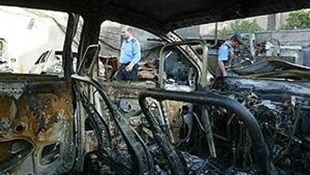 В результате взрыва автомобиля погиб один мирный житель