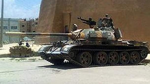 Танки обстріляли Хомс