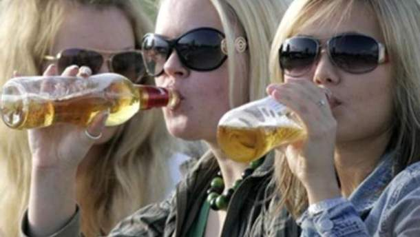 Українці випивають щороку відро чистого спирту
