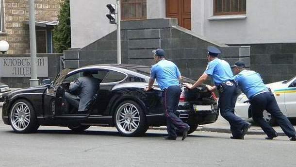 Только работа милиции по охране представителей власти получила удовлетворительную оценку граждан