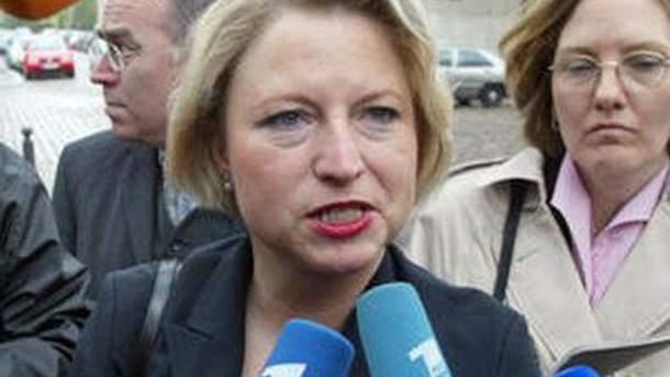 Корнелія Піпер вважає, що Україні спочатку треба дотримуватись основних європейських принципів