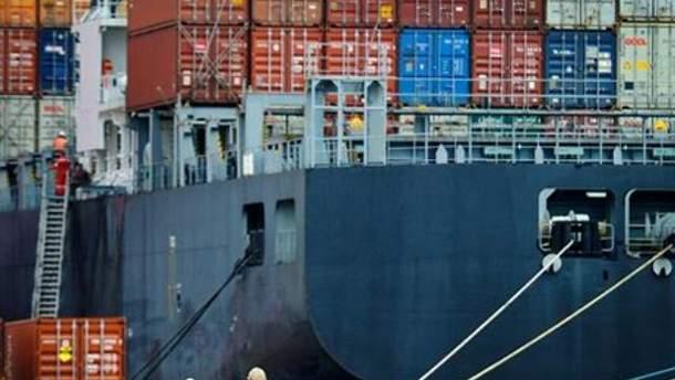Дефицит внешней торговли Украины вырос в 4,4 раза