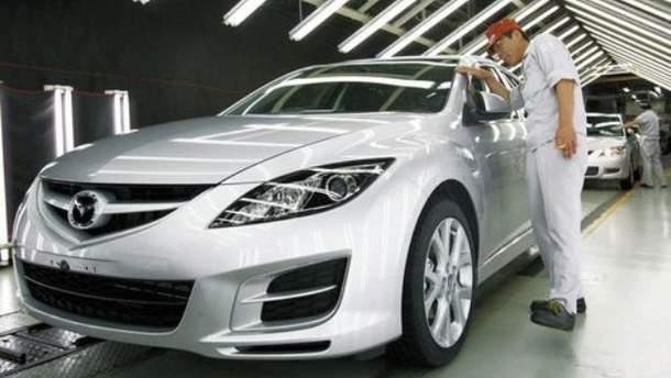 Японські автовиробники відновили роботу в Таїланді