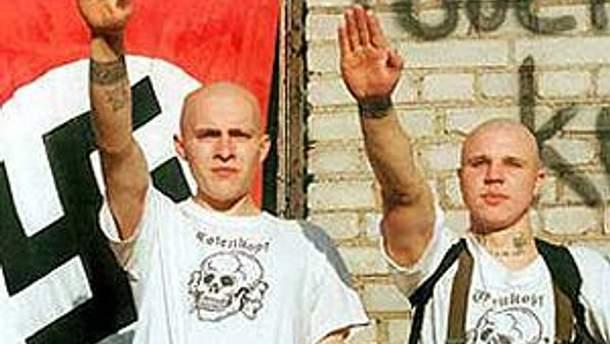 В Германии создадут картотеку о неонацистах