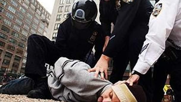После начала арестов остальные протестующие отступили