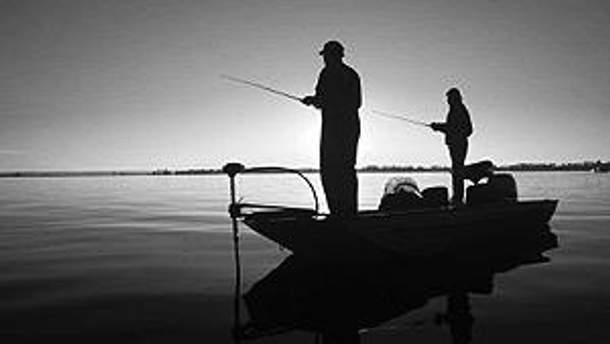 Одного з рибалок вдалось врятувати