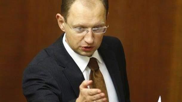 Яценюк требует у Януковича придерживаться курса на евроинтеграцию
