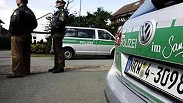 Немецкая полиция не дала экологам помешать движению поезда