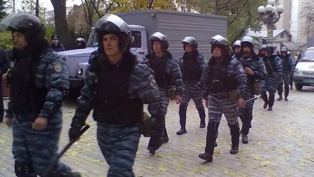 Міліція зупинила активістів на підставі постанови суду