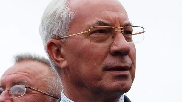 Азаров їде оглянути об'єкти до Євро-2012