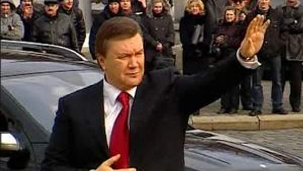 Віктор Янукович едет в родной город