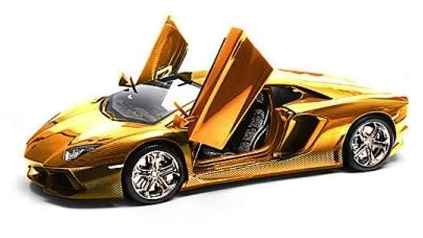 Lamborghini Aventador длиной 60 сантиметров