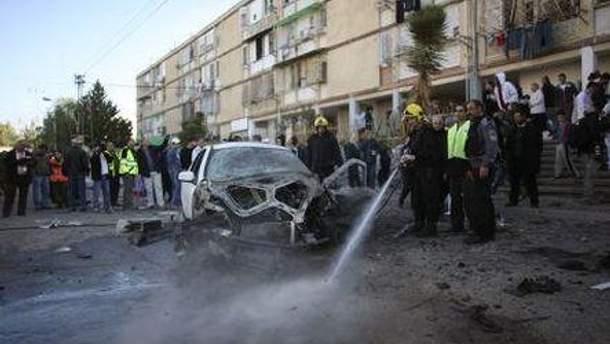 Израильтяне обстреляли авто с палестинцами