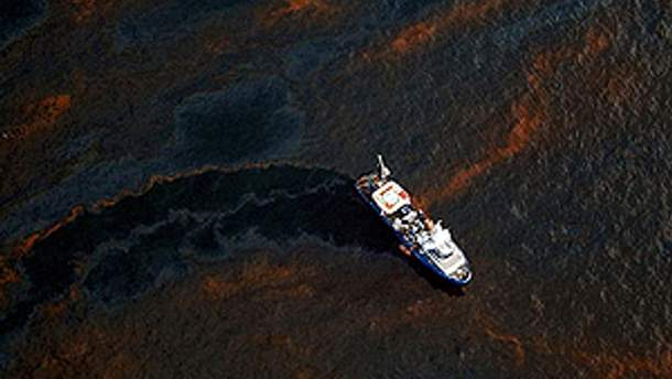 Важка екологічна ситуація стала наслідком аварії на буровій платформі BP